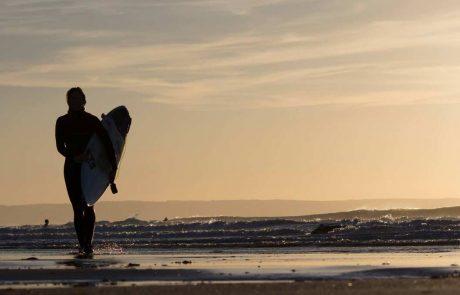 Green Rooms Croyde B&B Croyde Surfer Girl Sunset