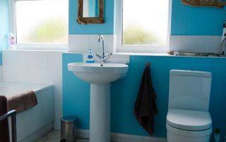Green Rooms bathroom